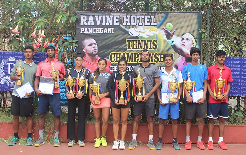 Men's Women's Open Tournament 2018 Champion at Ravine Hotel.