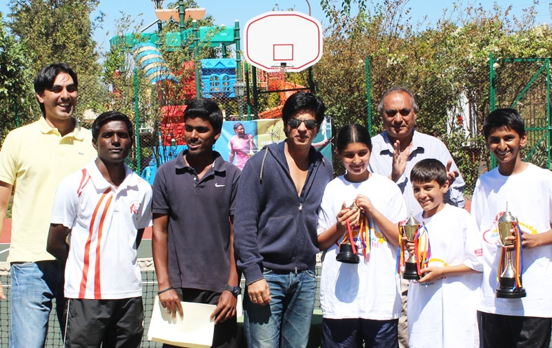 Shahrukh Khan at Ravine Hotel, Prize Distribution for Tennis Tournament