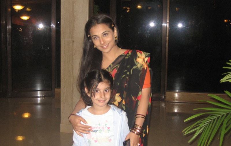 Vidya Balan with Zayna in the Ravine Hotel lobby